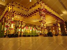 Wedding Hall Decorations, Wedding Reception Backdrop, Marriage Decoration, Wedding Mandap, Indian Wedding Stage, Indian Weddings, Wedding Arrangements, Floral Arch, Wedding Sets