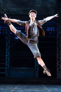 Newsies: when guys are more flexible than you... The musical