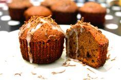 briose cu ciocolata Easy Desserts, Dessert Recipes, Cupcakes, Muffin, Easy Meals, Tortellini, Breakfast, Breads, Food