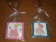 Galletas con foto comestible, para sus dos princesas!!