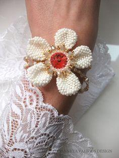Flora Coral Flowers to Tokyo Napkin Rings, Tokyo, Flora, Beads, Jewelry, Design, Decor, Beading, Jewlery