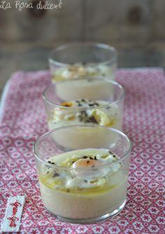 Nidos de patata con huevo y trufa negra http://larosadulce.blogspot.com.es/2014/12/nido-de-patata-con-huevo-y-trufa-negra.html