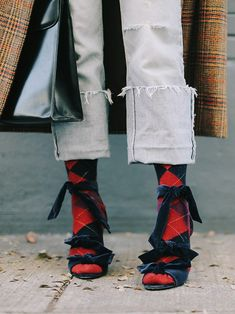 sea of shoes fashion blog | socks and sandals | cute street style details