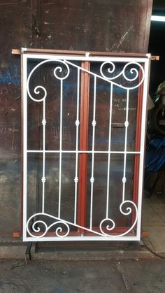 House Main Door Design, Window Grill Design Modern, Grill Gate Design, Railing Design, Wrought Iron Stair Railing, Wrought Iron Decor, Wrought Iron Gates, Iron Windows, Iron Doors
