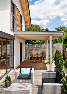 Patio roof over part of the terrace - Garten ♡ Wohnklamotte - Terrasse Patio Roof, Backyard Patio, Backyard Landscaping, Cement Patio, Patio Privacy, Flagstone Patio, Pergola Diy, Pergola Shade, Pergola Ideas