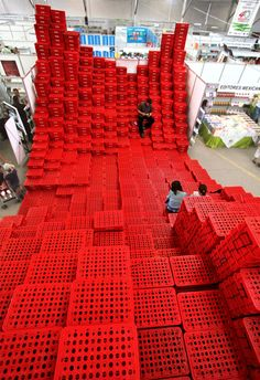 The Architectural Possibilities of Plastic Crates and Pallets is part of - Plastic milk and soda crates are often used as design challenges for architecture students, who morph them into interesting useable structures We've found uses closer to home Temporary Architecture, Architecture Student, Landscape Architecture, Architecture Design, Classical Architecture, Ancient Architecture, Sustainable Architecture, Stage Design, Event Design