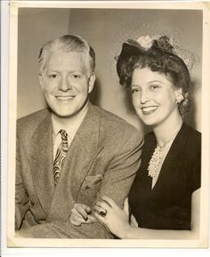JEANETTE MAC DONALD AND NELSON EDDY DURING RADIO DAYS - Escano Collection