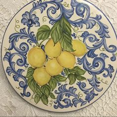 Ceramic Painting, Ceramic Art, Hourglass Drawing, Cream Dinner Plates, Mexican Paintings, Italian Pottery, Plate Art, Hand Painted Ceramics, Handmade Pottery