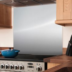 Our stainless steel splashbacks are a stylish and practical way of protecting your kitchen walls. View our range of stainless steel cooker splashbacks here! Stainless Steel Splashback, Brushed Stainless Steel, Kitchen Hob, Kitchen Tiles, Cooker Splashbacks, Cooker Hobs, Bright Kitchens, Professional Kitchen, Kitchens