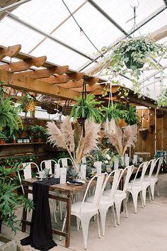 Flowers Rustic Wedding Reception, Barn Wedding Venue, Outdoor Wedding Venues, Wedding Reception Decorations, Wedding Book, Reception Ideas, Wedding Centerpieces, Wedding Ceremony, Blue And White Dinnerware