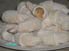 Горіхові рогалики 500 г борошна300 г маргарину100 г цукру 150 г очищених горіхів(в мене арахіс) 2 ст.л.сметани Hungarian Cake, Croissant, Bread, Cookies, Polish, Food, Crack Crackers, Vitreous Enamel, Brot