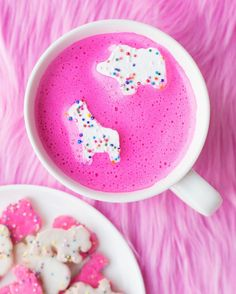 Pink hot chocolate and circus animal cookie marshmallows anyone!?!?  That's the way to do hot chocolate, folks. Marshmallow recipe on the blog!!! Link in profile!