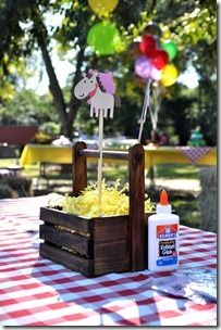 Farm Party table decorations from 62Cards