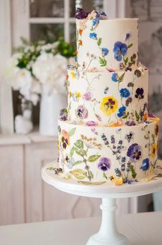 Wedding Cakes - the must read creative pin recommendation number 2564649074 - Wedding cake inspiration - Wedding Cakes Wedding Cake Edible Flowers, Succulent Wedding Cakes, Heart Wedding Cakes, Bride Flowers, Flower Cakes, Bolo Floral, Floral Cake, Pretty Cakes, Beautiful Cakes