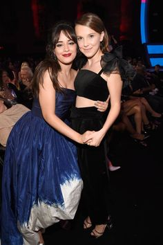 Millie Bobby Brown and Camila Cabello at the 2018 MTV Video Music Awards / August 20 2018 Millie Bobby Brown, Bobby Brown Stranger Things, Browns Fans, Enola Holmes, Mtv Video Music Award, Music Awards, Mtv Videos, Brown Fashion, Celebs