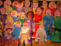 The Night Watch of gr 3 / Lesidee / Old Masters Group 3 has made a beautiful Night Watch . Method: let children draw each other lying on the back of wallpaper . Rembrandt, Drawing Lessons, Art Lessons, Drawing For Kids, Art For Kids, Minecraft School, Group Art, Of Wallpaper, Vincent Van Gogh