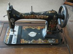 OK, most of us vintage sewing machine enthusiasts have several machines, and we try to accumulate even more. Some of us have machines that we fix and Antique Sewing Machines, Vintage Sewing, Vintage Antiques, Vintage Couture, Vintage Sewing Machines, Vintage Sewing Notions, Heirloom Sewing
