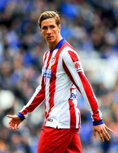 Fernando Torres Photos - Fernando Torres of Atletico de Madrid looks on during the La Liga match between RCD Espanyol and Club Atletico de Madrid at Power 8 Stadium on March 2015 in Barcelona, Spain. - RCD Espanyol v Club Atletico de Madrid - La Liga Football Soccer, Football Players, College Basketball, Rcd Espanyol, V Club, Football Pictures, Old Trafford, European Football, Arsenal Fc
