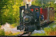 Net Photo: 10 Wiscasset Waterville & Farmington unknown at Alna, Maine by Stephen Hussar Live Steam Locomotive, Steam Engine, Model Trains, American History, Diesel, Maine, Around The Worlds, Steamers, Ford