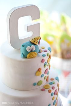 Cute and simple cake. Can put any other figure on the top.