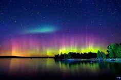 WOW! Northern Lights seen last night from #Duluth, Minnesota. Photo: Shixing Wen.