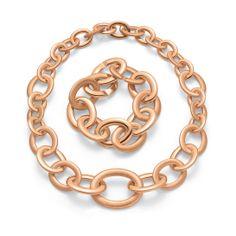 Le bracelet et le collier Love Chain en or rose de Roberto Coin http://www.vogue.fr/joaillerie/le-bijou-du-jour/diaporama/le-bracelet-love-chain-en-or-rose-de-roberto-coin/16971#!2