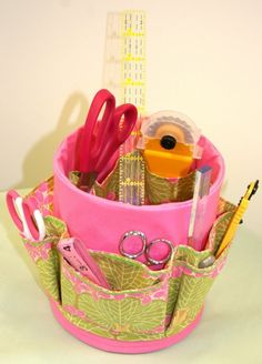 coffee can organizer...this would be a good desk organizer for the little tools that we use in scrapbooking