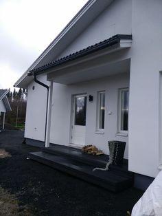 Komposiitti/UPM ProFi Design Deck/Yönmusta/Kodinhoitohuoneen terassi    Villa Amélie - Unelmaa rakentamassa: lokakuuta 2016