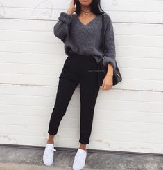 ♡ f l e x i n – # # -… – Mode Outfits Cute Comfy Outfits, Cute Casual Outfits, Simple Outfits, Stylish Outfits, Casual College Outfits, Winter Fashion Outfits, Look Fashion, Fashion Mode, Outfit Winter