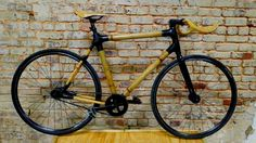 This is my bamboo bike with handlebar and seat in bamboo, build during my trip in Alabama