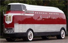 GM Futurliner 1953 - cabe muita coisa