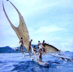 *Solomon Islands Vaka of Taumako Kayak Camping, Canoe And Kayak, Kayak Fishing, Outdoor Camping, Outrigger Canoe, Boat Fashion, Rando, Boat Design, Small Boats