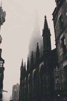 Edinburgh Photo – Old City – Old Town – Architecture – Vertical – Digital Photo … Edinburgh Foto – Altstadt – Altstadt – Architektur –. Dark Green Aesthetic, Gothic Aesthetic, Slytherin Aesthetic, Digital Foto, Gothic Architecture, Architecture Colleges, Gothic Buildings, Architecture Wallpaper, Architecture Portfolio