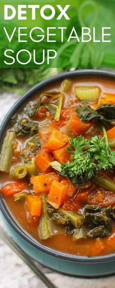 If you are trying to eat clean this delicious low-fat detox soup is the perfect healthy recipe for you! There are a rainbow of colors from the vegetables in this beautiful soup that is also low in sugar. The vitamin-rich and fiber-filled recipe is veget Detox Vegetable Soup, Vegetable Soup Recipes, Healthy Soup Recipes, Vegetarian Recipes, Cooking Recipes, Detox Soups, Detox Meals, Diet Detox, Veggie Soup