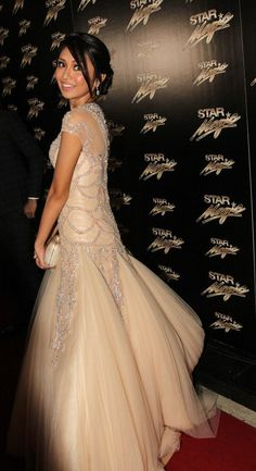 Kathryn Bernardo's ball gown at the 2013 star magic ball Lovely Dresses, Beautiful Gowns, Gorgeous Dress, Beautiful People, Star Magic Ball Gowns, Elie Saab, Bridal Gowns, Wedding Gowns, Evening Dresses
