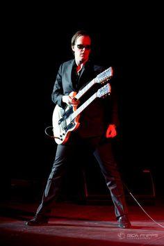 - Joe Bonamassa - Blues Rock Guitarist Extraordinaire JOE BONNAMASSA - http://www.pinterest.com/TheHitman14/musician-guitarists-%2B/