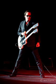 In only 4 days I'm seeing Joe Bonamassa live for the first time!! So excited :D