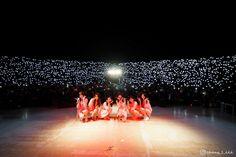 ᴛᴏᴅᴏs ᴄᴀᴇᴍᴏs, ᴘᴇʀᴏ ɴᴏ ᴛᴏᴅᴏs ᴘᴏᴅᴇᴍᴏs ʟᴇᴠᴀɴᴛᴀʀɴᴏs. ♡ #fanfic # Fanfic # amreading # books # wattpad South Korean Girls, Korean Girl Groups, Weekly Idol, Film Aesthetic, G Friend, Kpop Girls, Tours, In This Moment, Concert