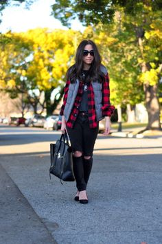 Holzfäller Chic – LuLaRoe Betsy Tahy – Join the world of pin Lumberjack Outfit, Lumberjack Party, Love Fashion, Winter Fashion, Womens Fashion, Ladies Fashion, Party Outfits For Women, Red And Black Flannel, Old Navy Vest