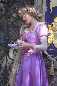#Cosplay #Disney: #Rapunzel