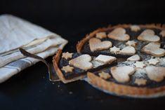 Makový vegánsky koláč. Poriadna dávka maku. Makoholik ocení. Pie, Cookies, Sweet Stuff, Desserts, Shape, Torte, Biscuits, Cake, Fruit Pie