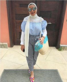 Striped pants and ruffle blouses hijab outfits – Just Trendy Girls Hijab Fashion Summer, Spring Fashion, Winter Fashion, Modest Fashion, Mode Outfits, Stylish Outfits, Stylish Clothes, Hijab Outfit, Modern Hijab