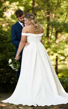 CLASSIC SATIN PLUS SIZE BALLGOWN WITH POCKETS & OFF-THE-SHOULDER SLEEVES Wedding Dress With Pockets, Wedding Dresses Plus Size, Plus Size Wedding, Dream Wedding Dresses, Designer Wedding Dresses, Bridal Dresses, Dress Pockets, Ivory Prom Dresses, Plus Size Brides