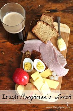 Irish Ploughman's Lunch: The perfect easy and delicious way to celebrate St. Patrick's Day, with a really simple Brown Irish Soda Bread recipe included. Irish Brown Soda Bread Recipe, Irish Recipes, Lemon Recipes, Yummy Recipes, Party Food And Drinks, Lunch Recipes, Party Recipes, Ploughman's Lunch, Lunch Boxes