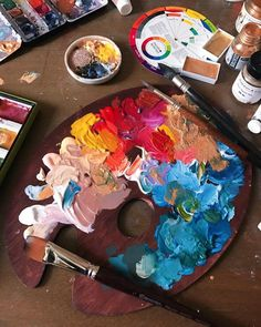 Gift Guide for Artists Artist Aesthetic, Color Kit, Paper Fashion, Gifts For An Artist, Art Hoe, Color Pencil Art, Artist Life, Creative Studio, Art Sketchbook