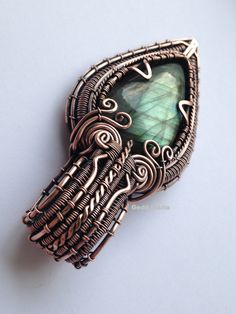 Teardrop labradorite in copper based on Lonely Soldier Designs' tutorial, made by Gedő Mária