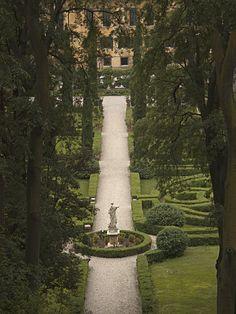Verona Garden Statue