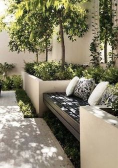 Backyard wooden seating with planters sourc. - Backyard wooden seating with planters source Source by - Backyard Garden Design, Small Garden Design, Backyard Patio, Terraced Backyard, Backyard Planters, Wooden Garden Planters, Large Planters, Backyard Designs, Pergola Designs