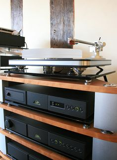 Naim / Clearaudio by Frank Harvey Hi-Fi Ltd, via Flickr