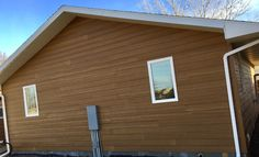 Bringing a timeless, natural beauty to any architectural style, with a beautiful contrast between two tones. Engineered Wood Siding, Siding Options, Rustic Colors, Natural Beauty, Contrast, Exterior, Architecture, Outdoor Decor, Beautiful